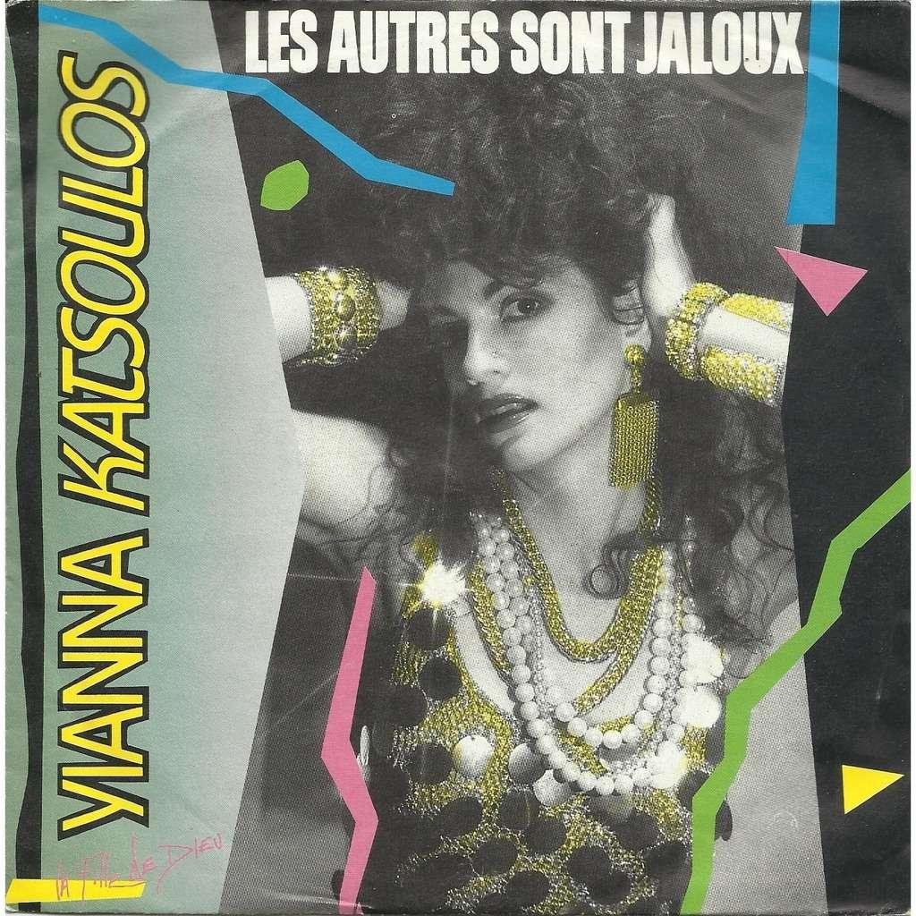Yianna Katsoulos Les Autres Sont Jaloux