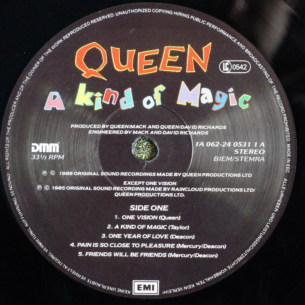 ... queen a kind of magic ...