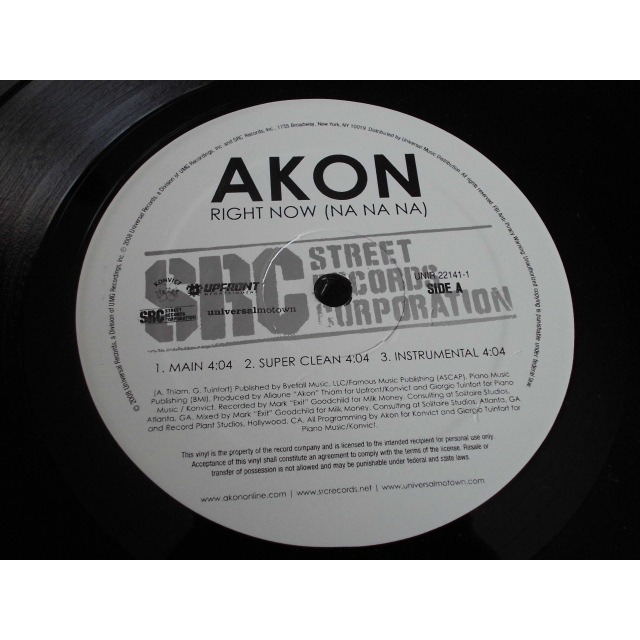 Right now (na na na) by Akon, 12inch with dj-kurt