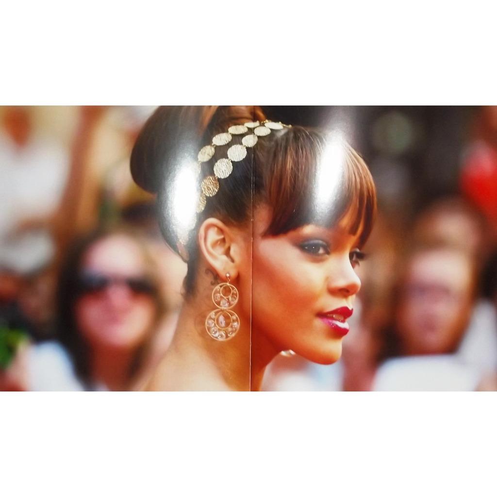 La Nouvelle Diva Du R B Livre Book De Rihanna Livre Chez Vinyl59