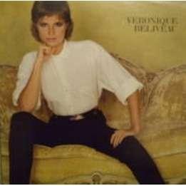 véronique béliveau il joue du piano