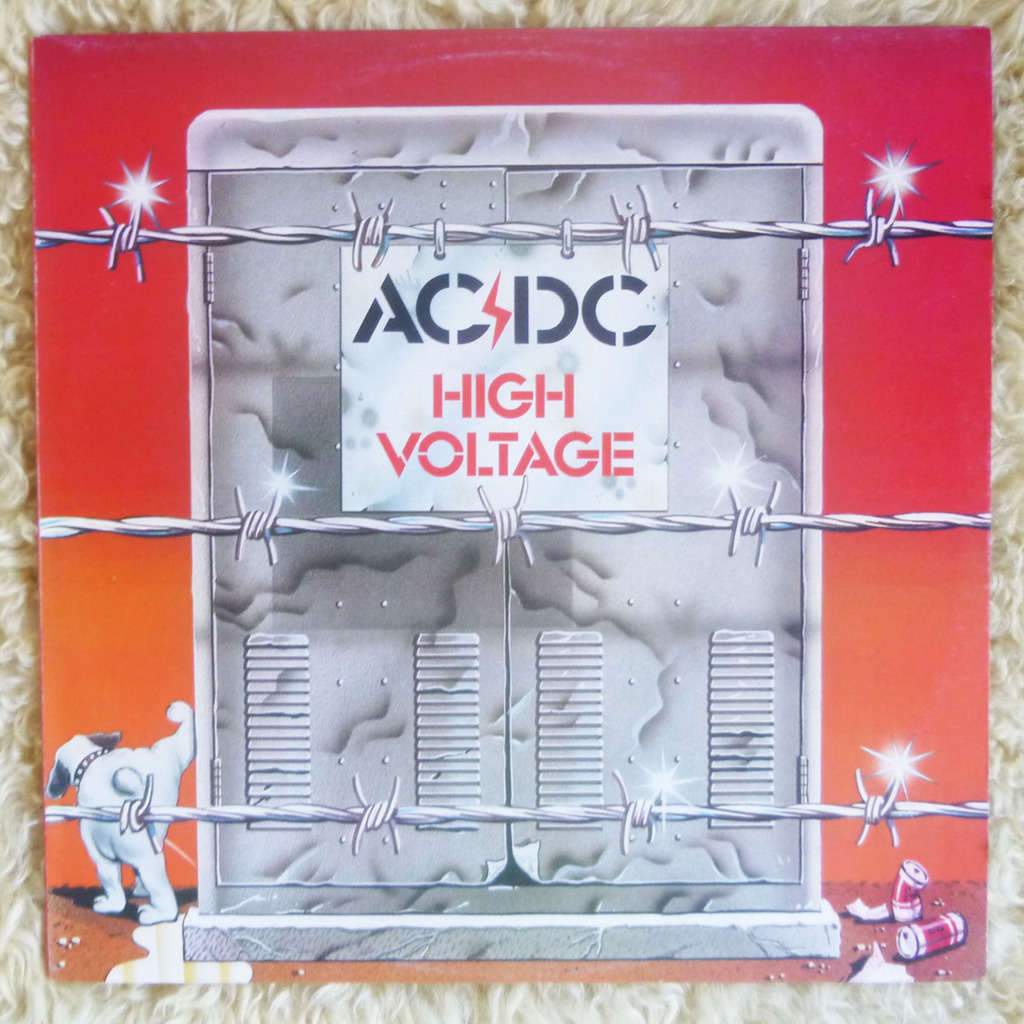 ac voltage Voltage dividers are electric circuits used to scale down a voltage by a given fraction.