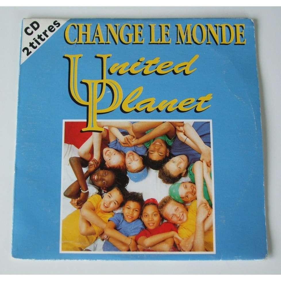 change le monde by united planet cds with dom88 ref 116116973. Black Bedroom Furniture Sets. Home Design Ideas