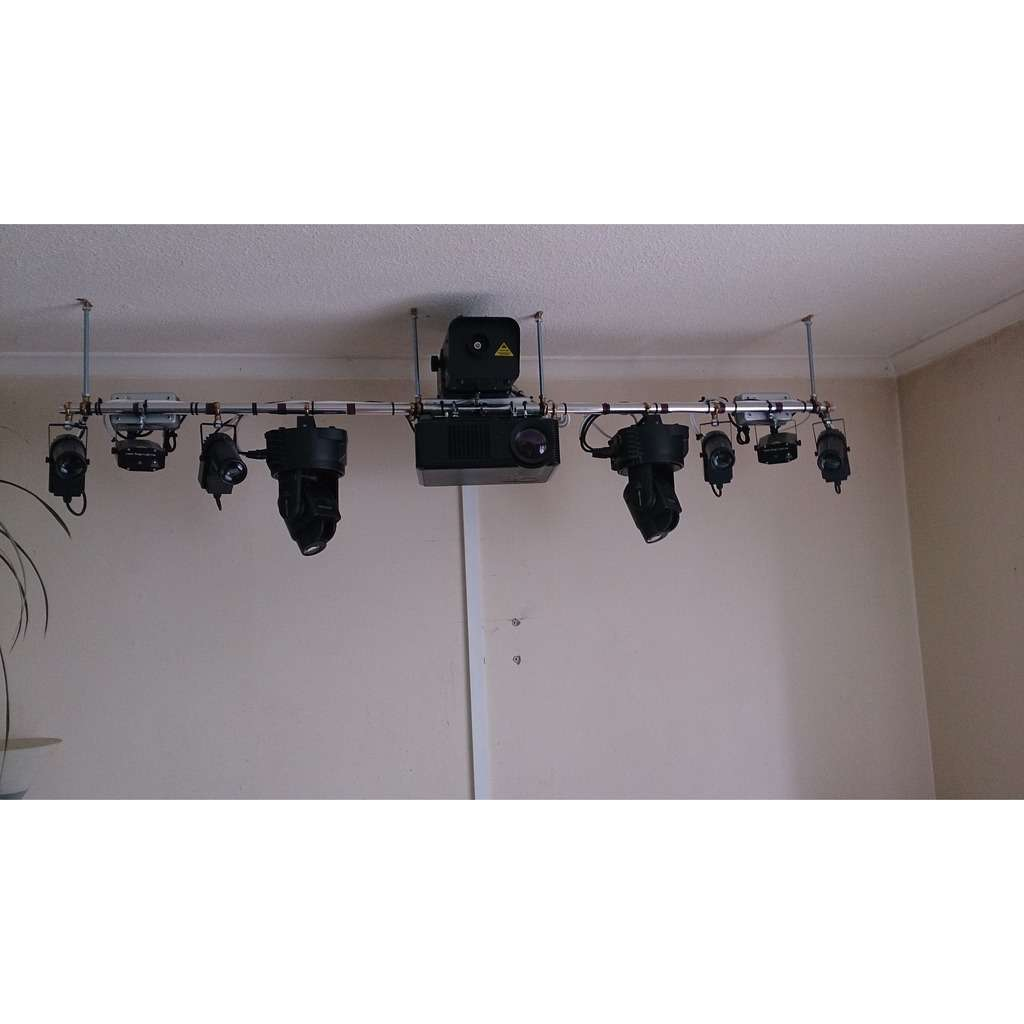 Be Spoke 2 Metre Light Bar including Smoke Machine DJ accesories etc