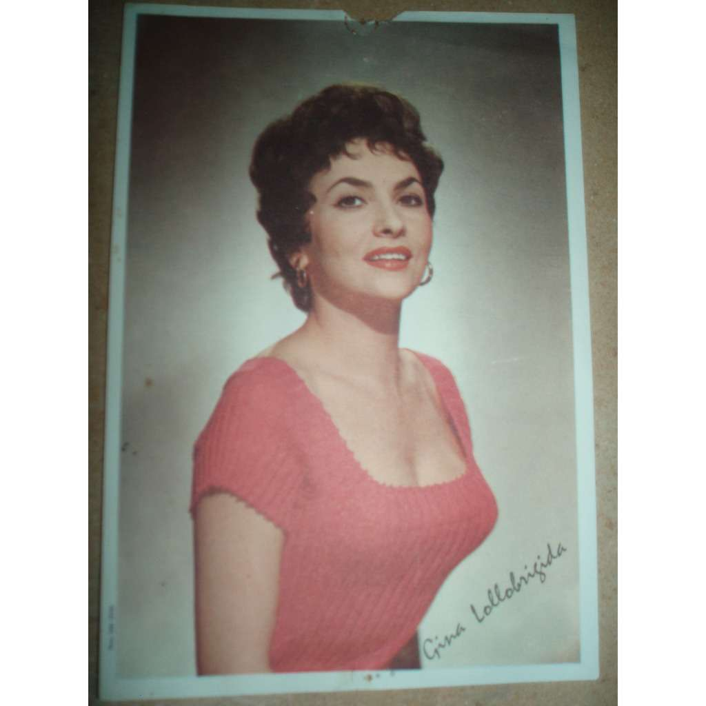 Gina Lollobrigida Nude Photos 23