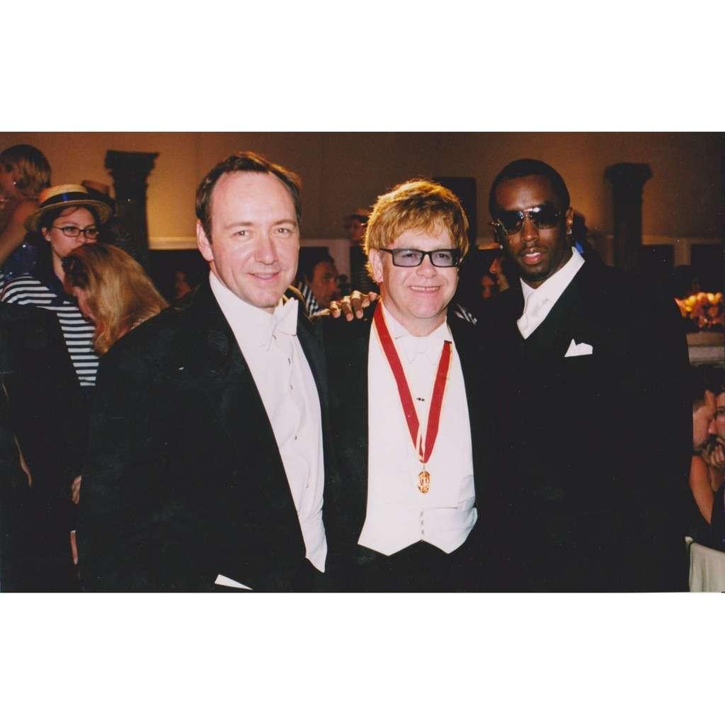 Elton JOHN - Puff DADDY - Kevin SPACEY Elton JOHN - Puff DADDY - Kevin SPACEY Photo Originale