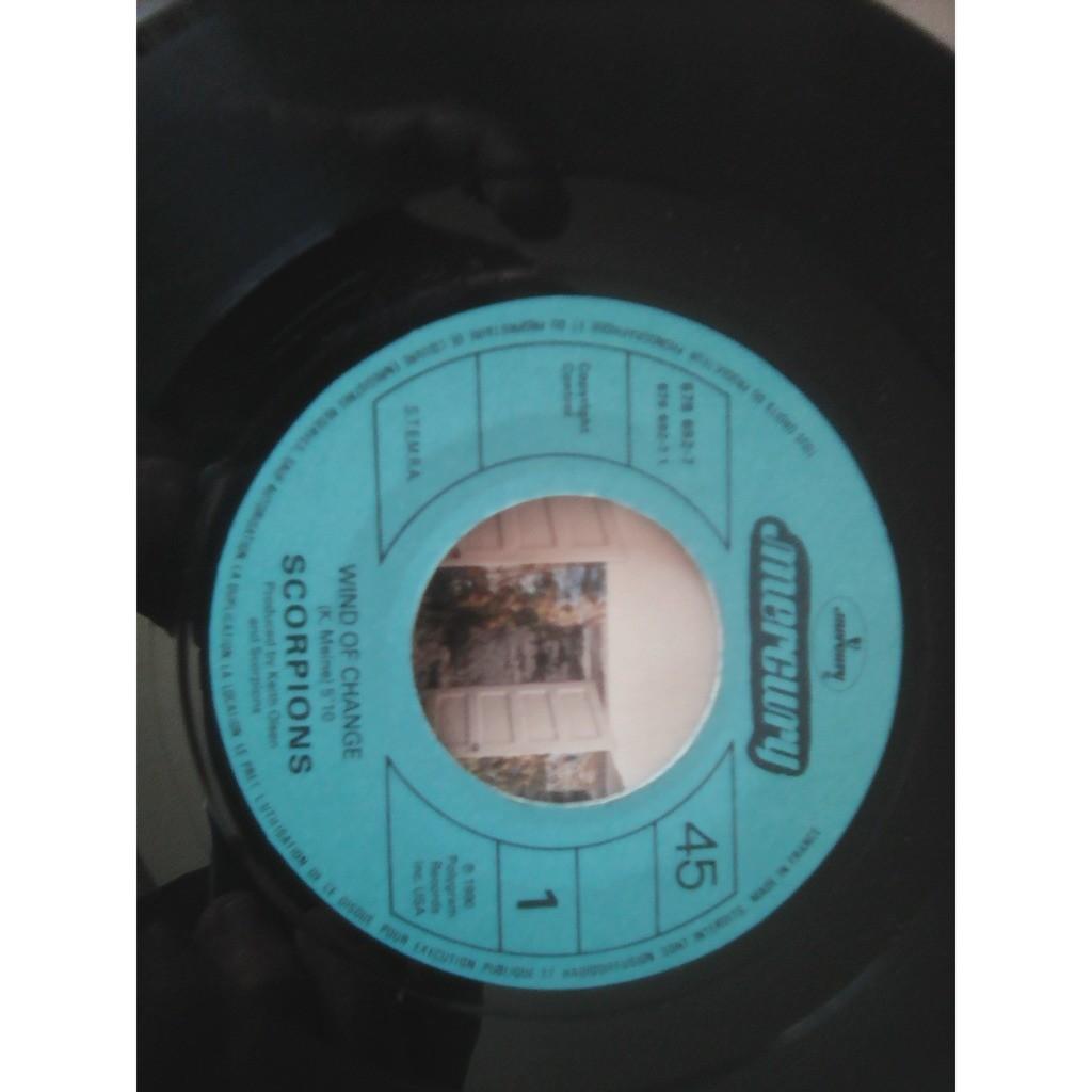 Scorpions - Wind Of Change Tease Me Please Me