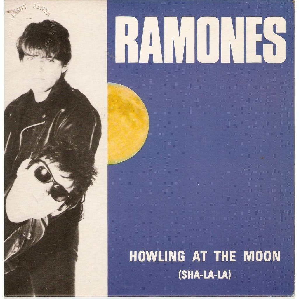 RAMONES HOWLING AT THE MOON