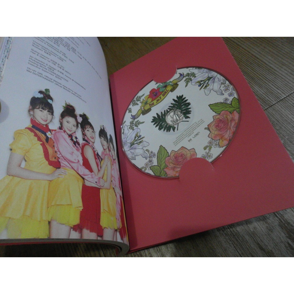 Oh My Girl Coloring Book (4th Mini Album) CD + Photobook 2017