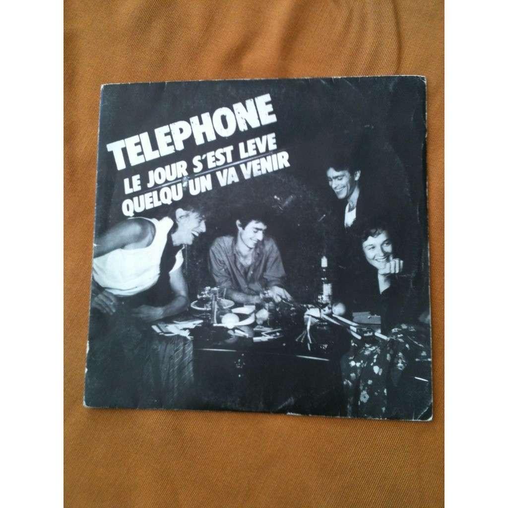 TELEPHONE Le jour s'est levé
