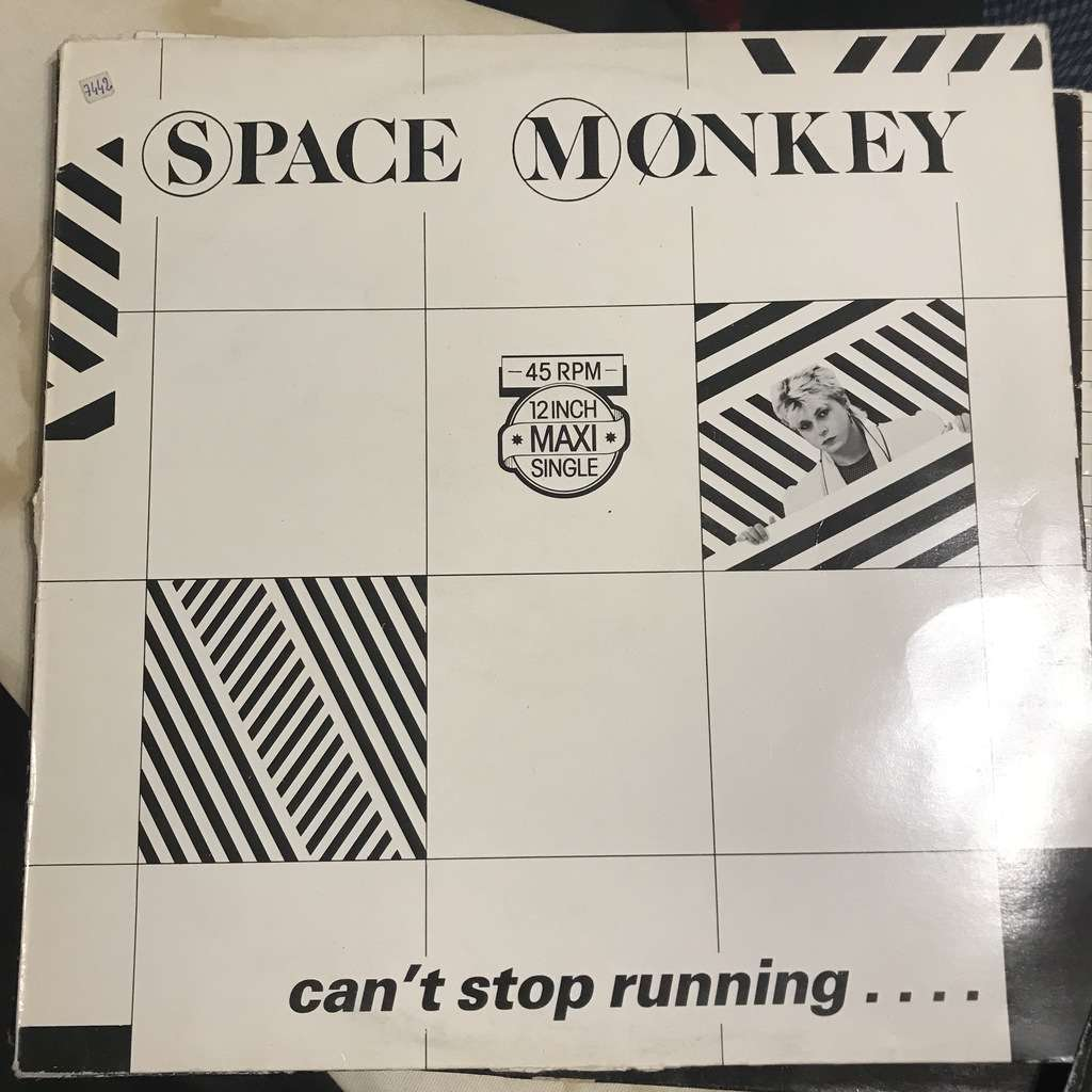 SPACE MONKEY CAN'T STOP RUNNING.Holland