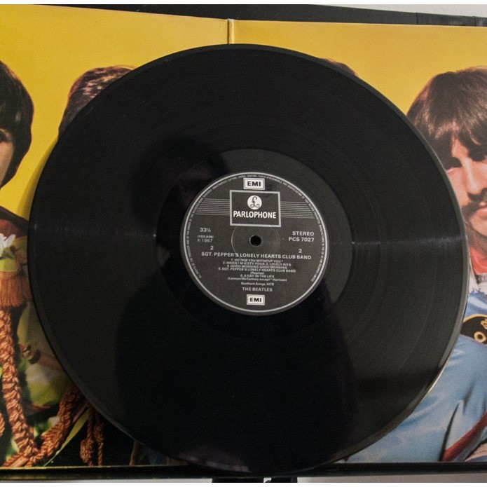 Beatles Sergeant Peppers Lonely hearts club band