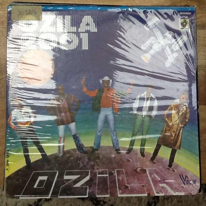 Ozila Ozila 2001