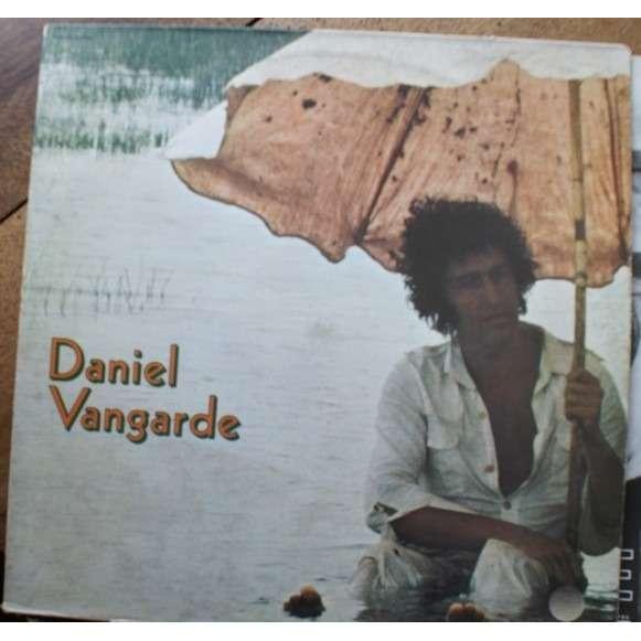 Daniel Vangarde un bombardier avec ses bombes