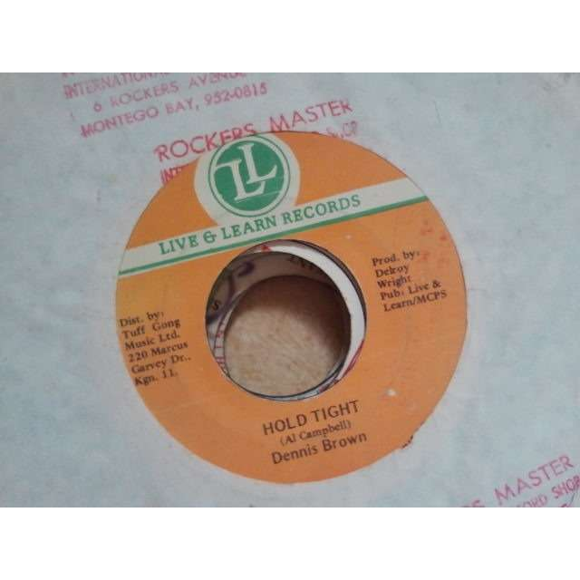 DENNIS BROWN HOLG TIGHT / VERSION ORIG.