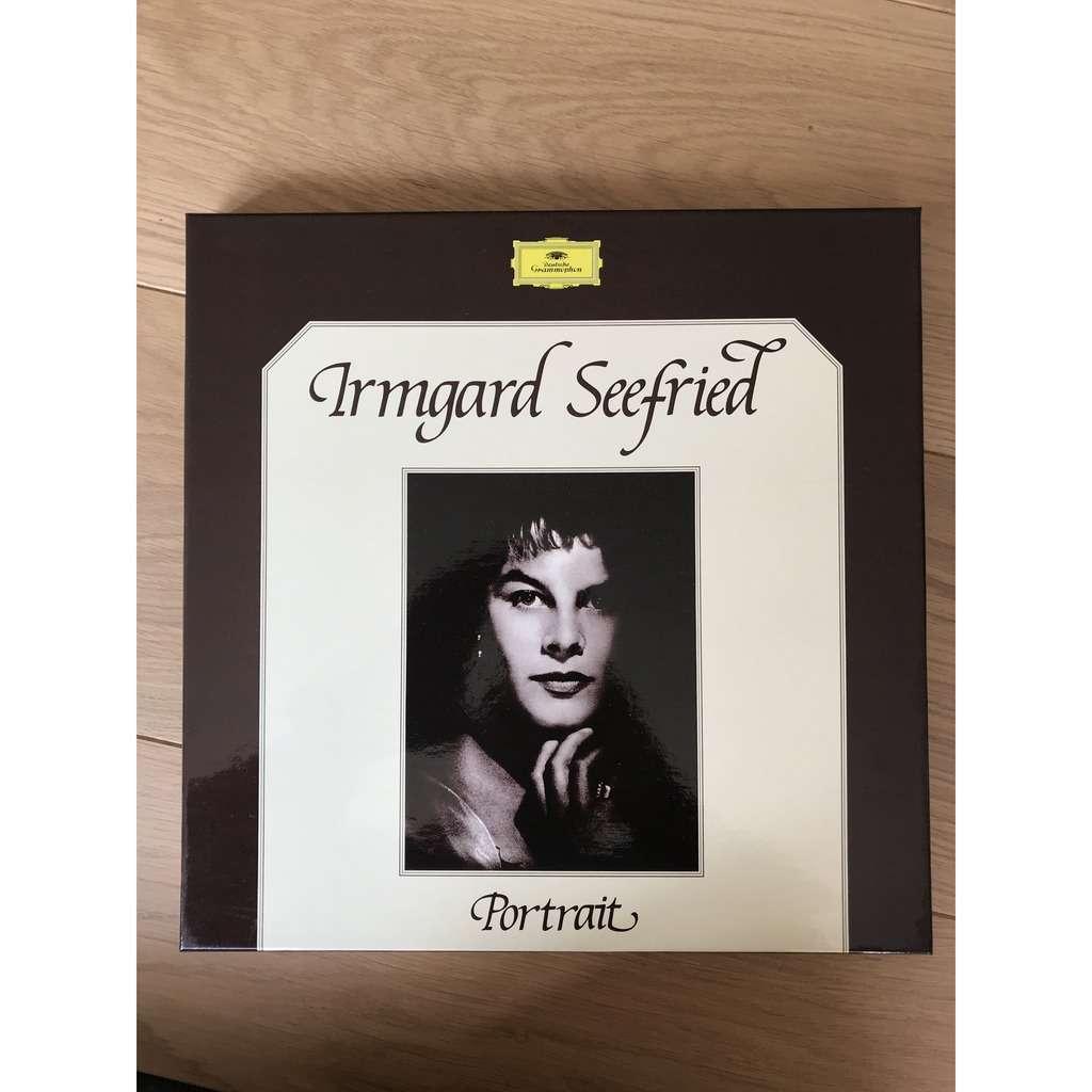IRMGARD SEEFRIED Portrait
