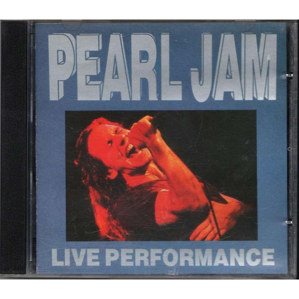 Pearl jam Live Performance (Volkshaus Zurich Switzerland 08.06.1992)
