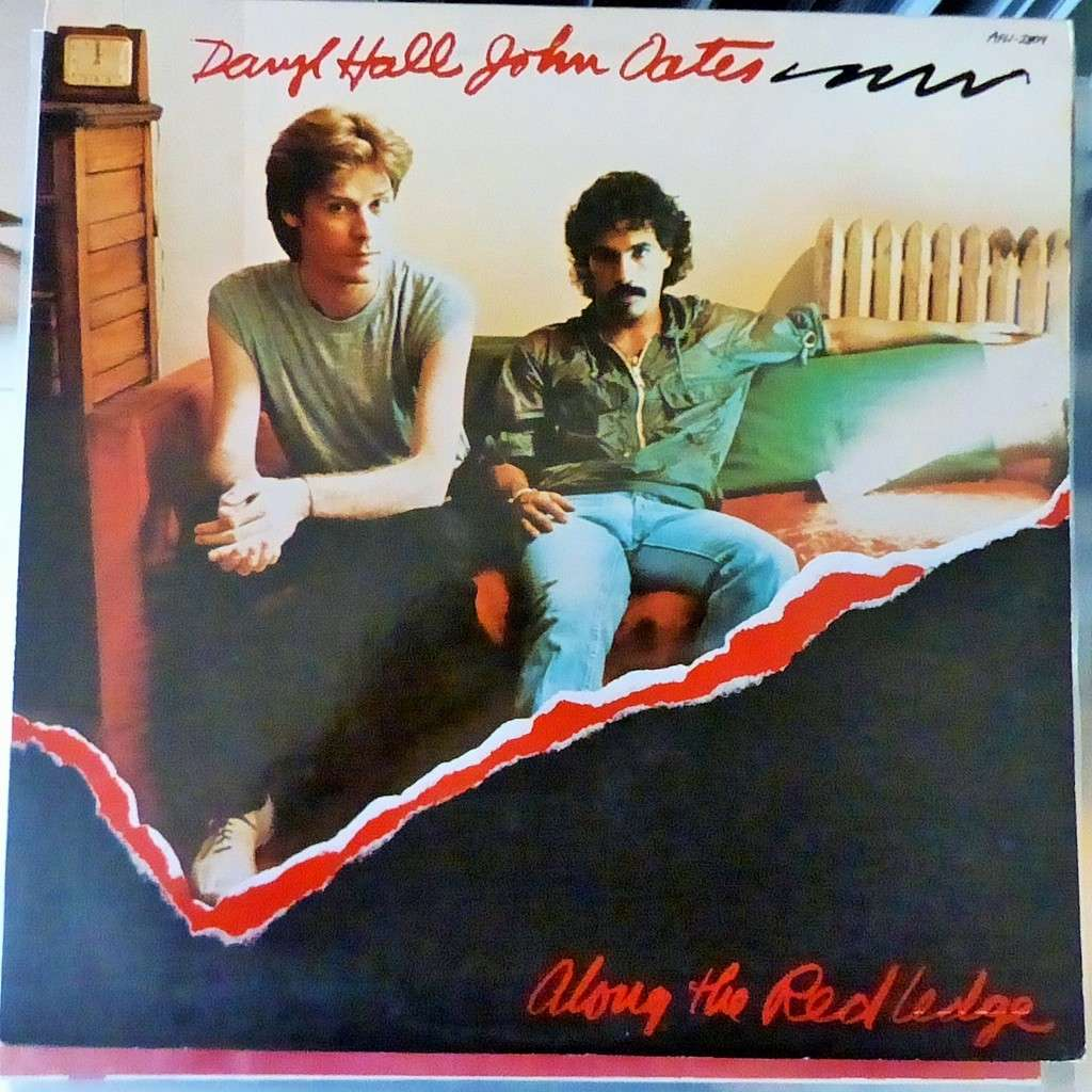 DARYL HALL AND JOHN OATES along the red ledge