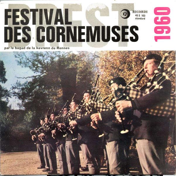 Bagad de la kevrenn de Rennes festival des cornemuses 1960