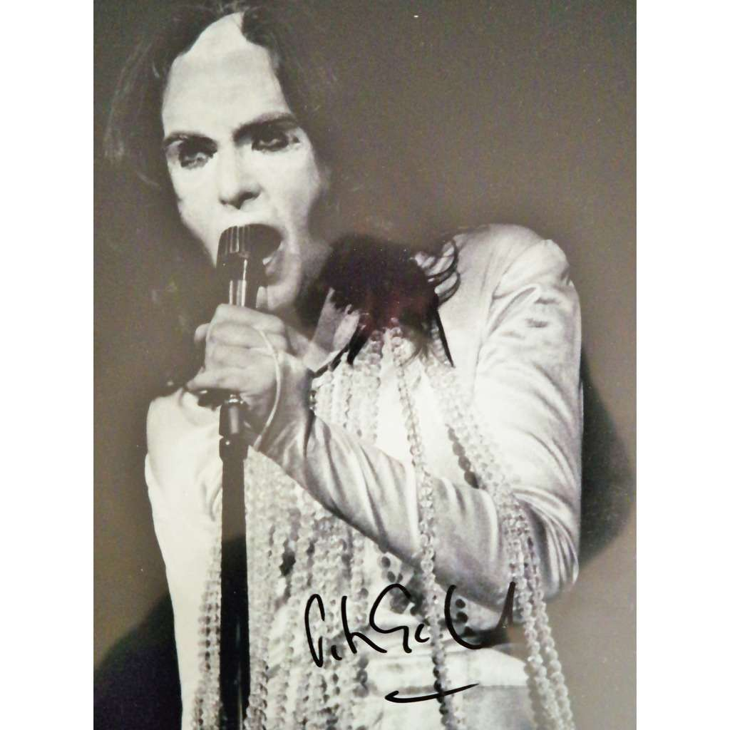 Peter Gabriel Peter Gabriel signed his Genesis time on black and white photo 36 x 29 cm ready to frame !