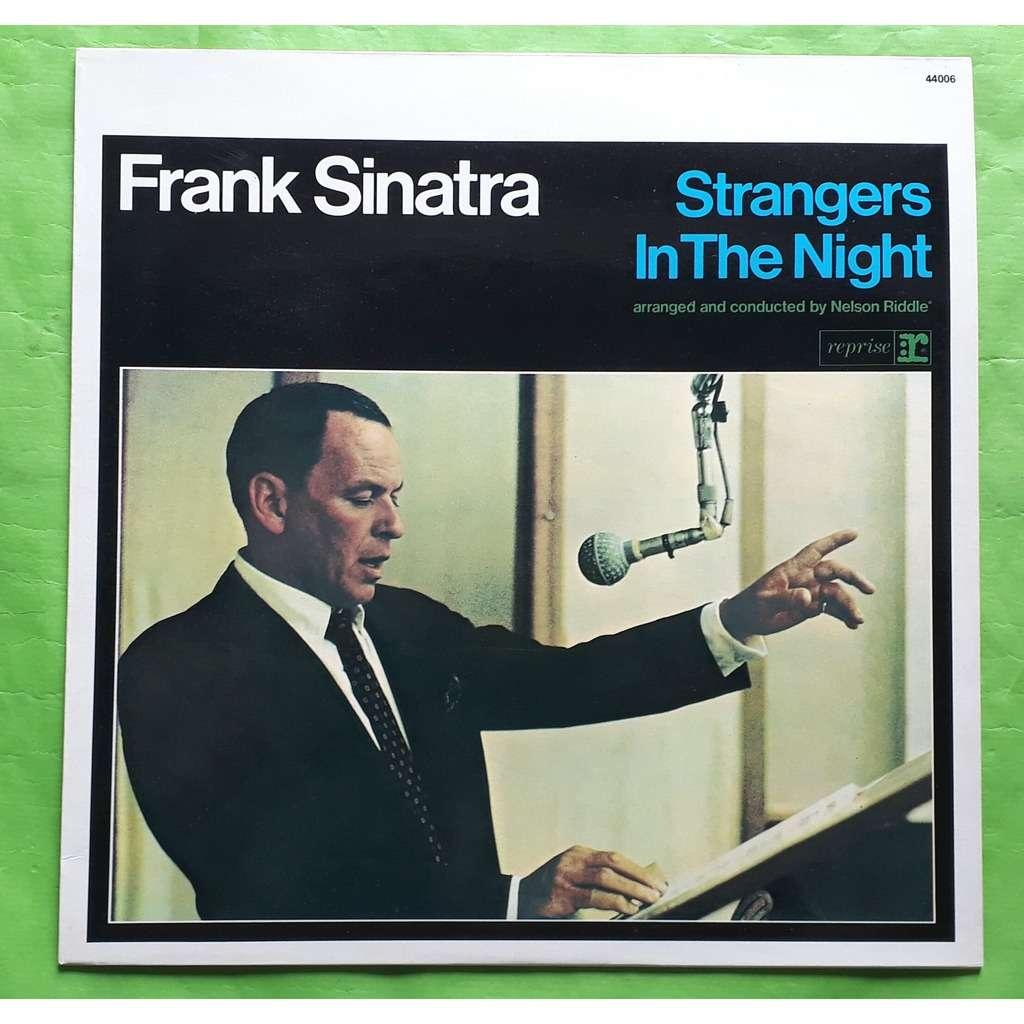 FRANCK SINATRA STRANGER IN THE NIGHT-(Album black vinyl)(Original)(1971)(France).