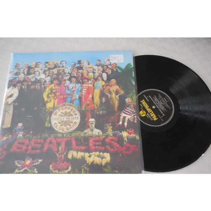 the beatles REEDITION Sgt. Pepper's Lonely Hearts Club Band