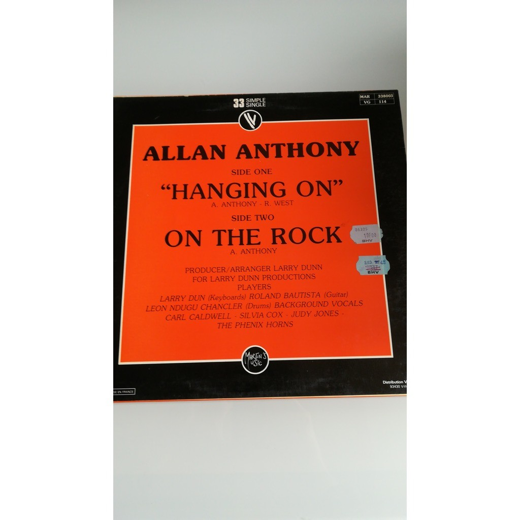 Allan ANTHONY hanging on / on the rock
