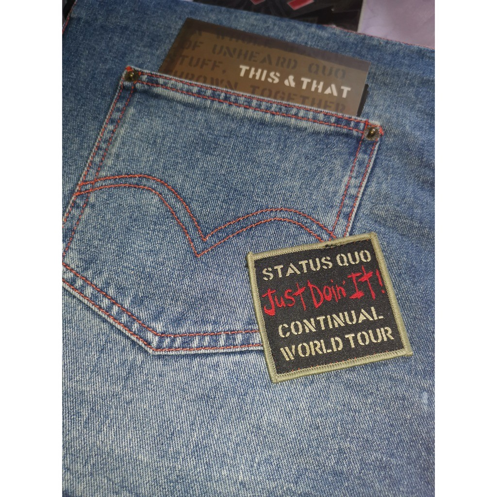 STATUS QUO Book en Jean + CD + Tee shirt (L) 40 th aniversary