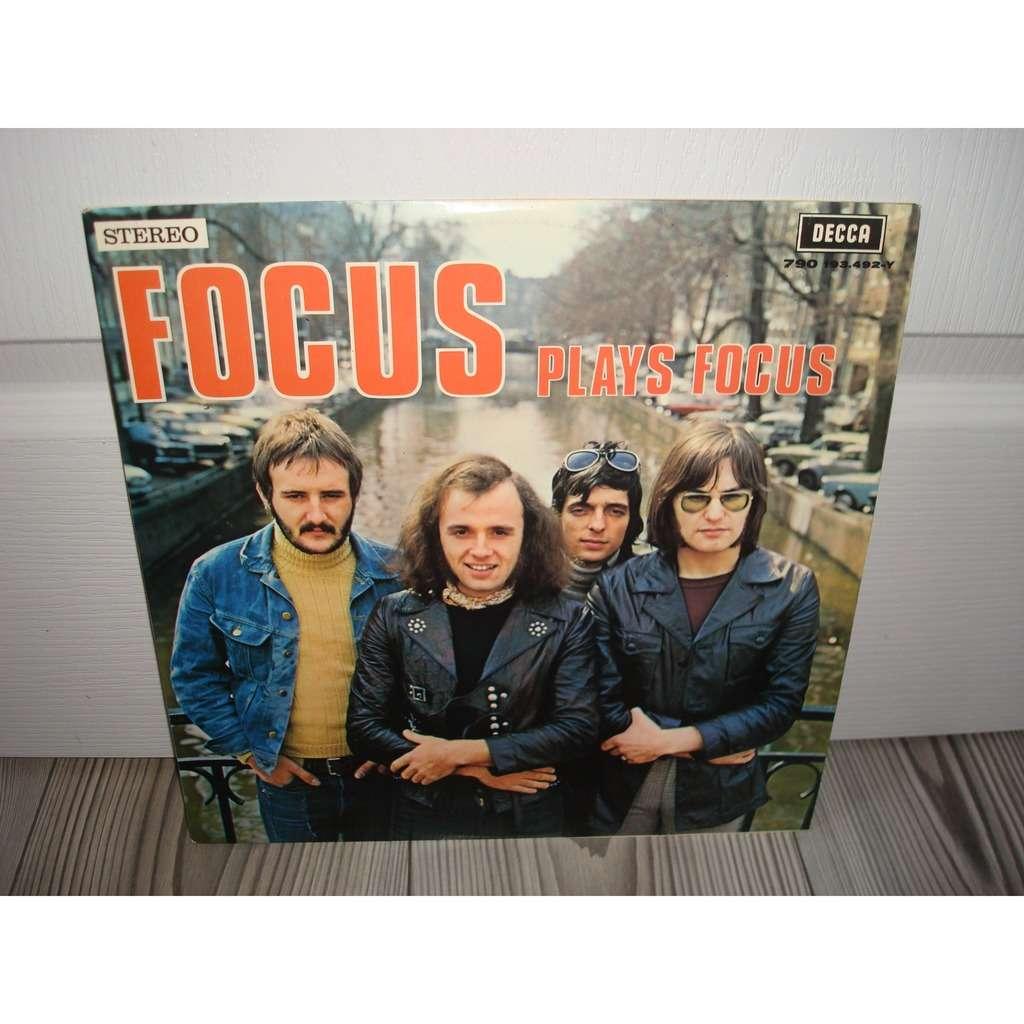 focus focus plays focus