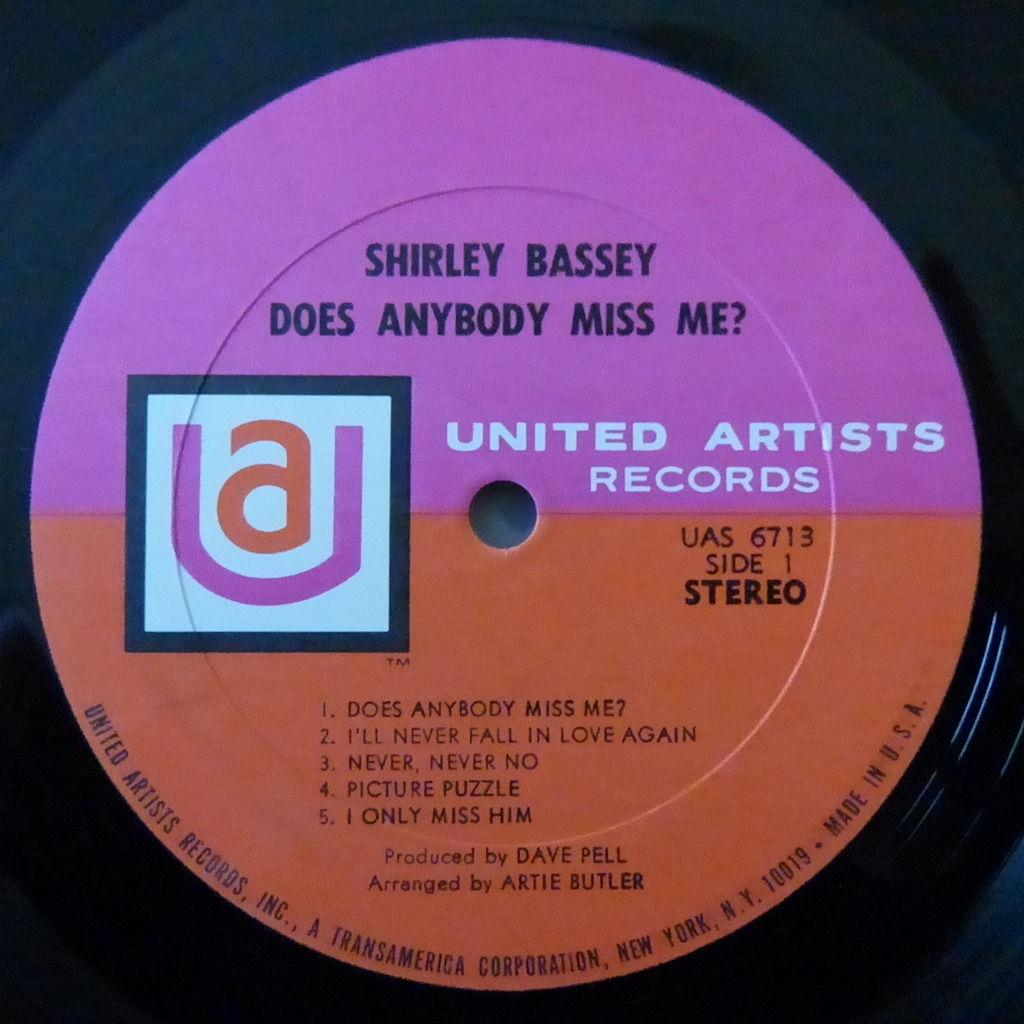 SHIRLEY BASSEY DOES ANYBODY MISS ME