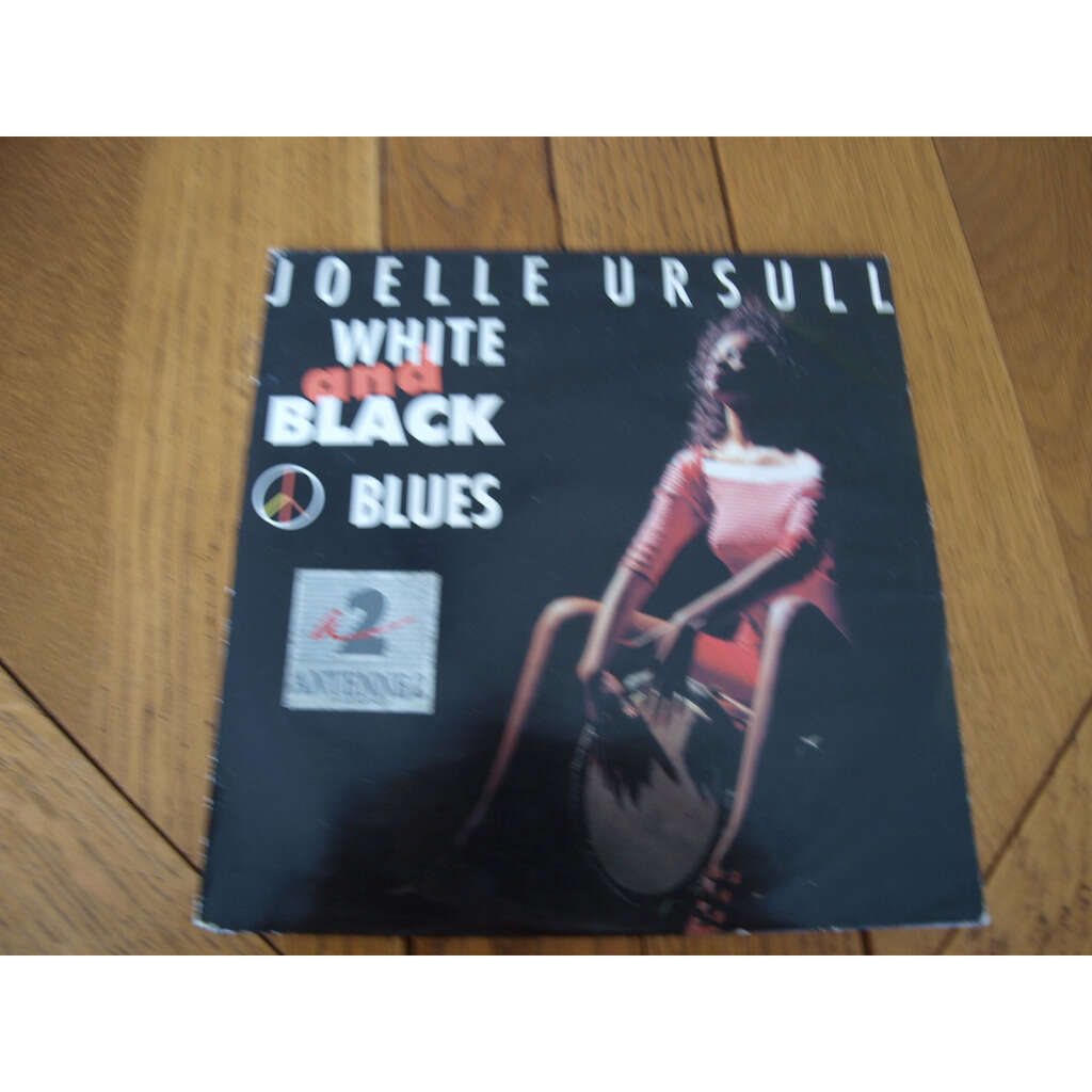 joëlle ursull white and black blues